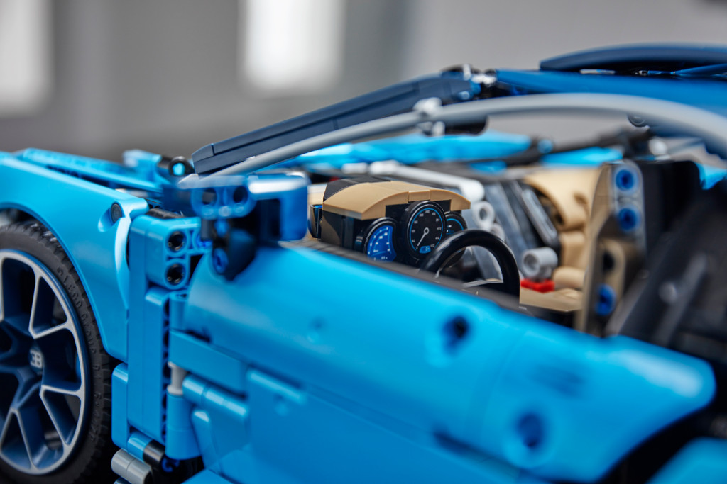 42083 Technic 2HY18 Detail Interior