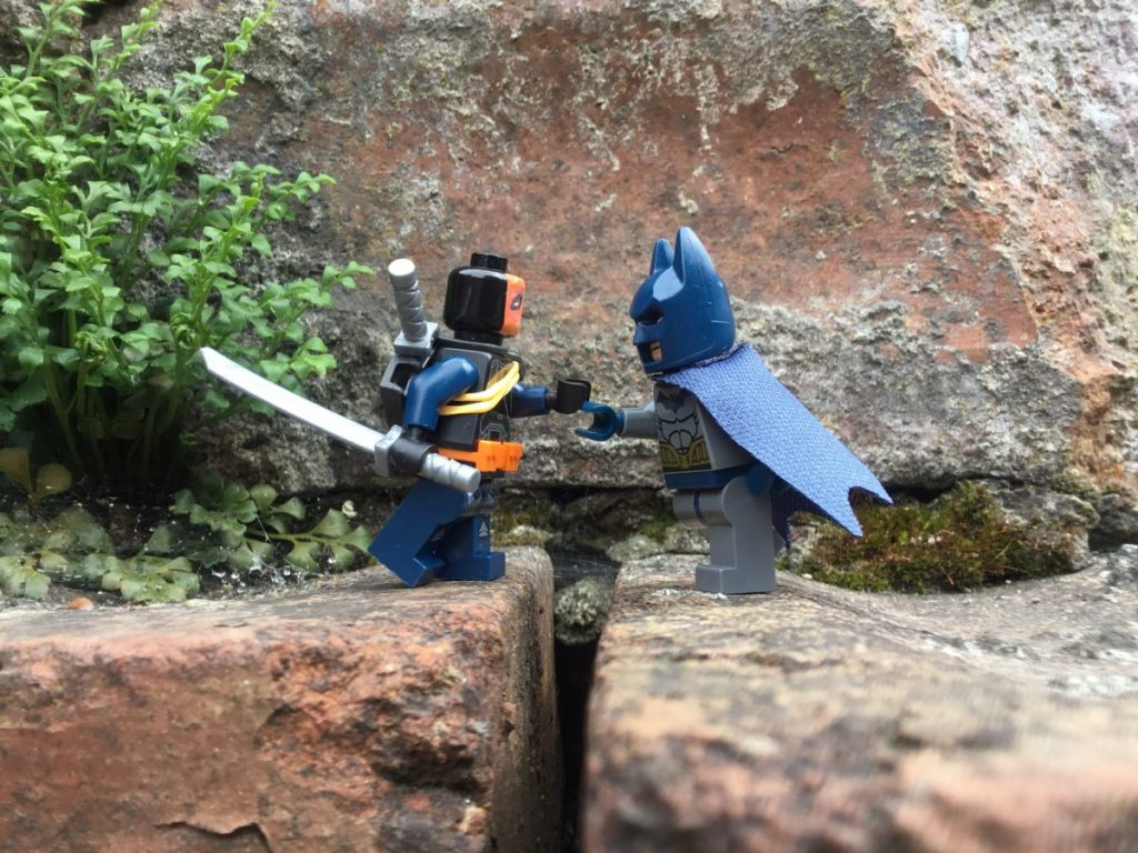 Brick Pic Batman Deathstroke