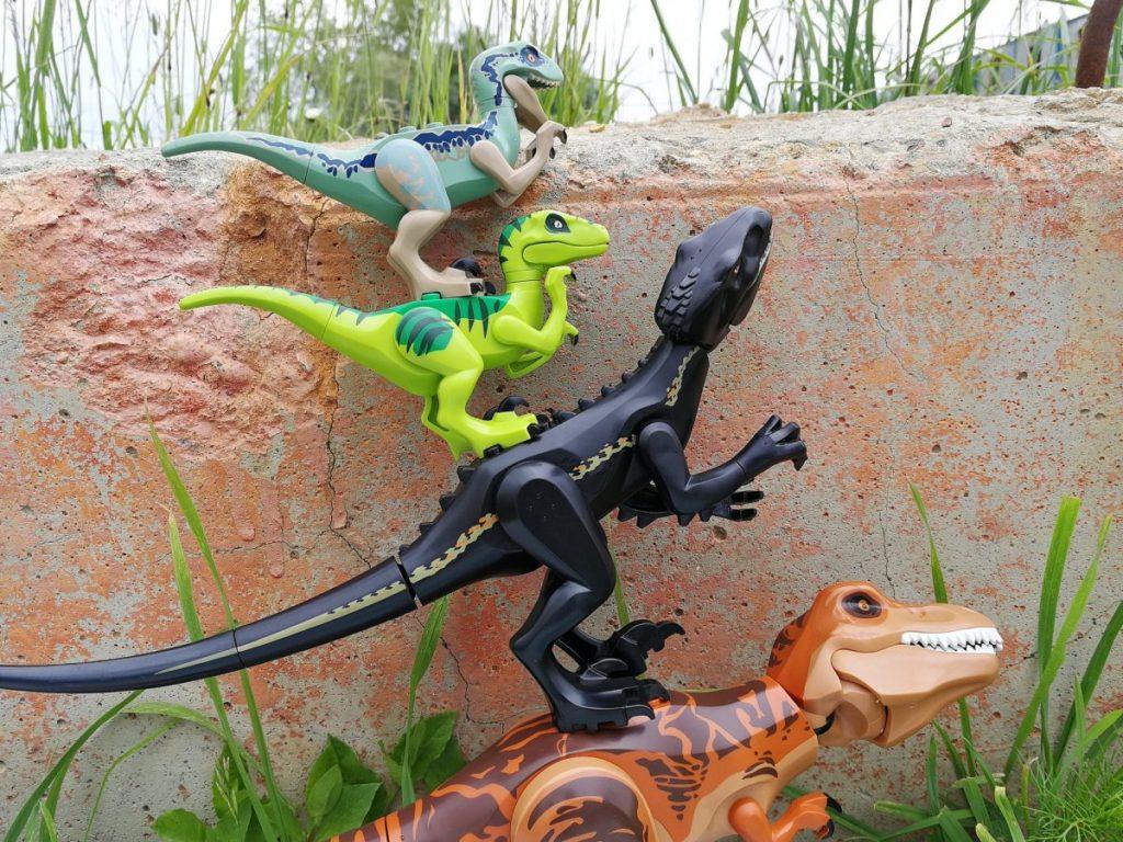 Brick Pic Dino Escape