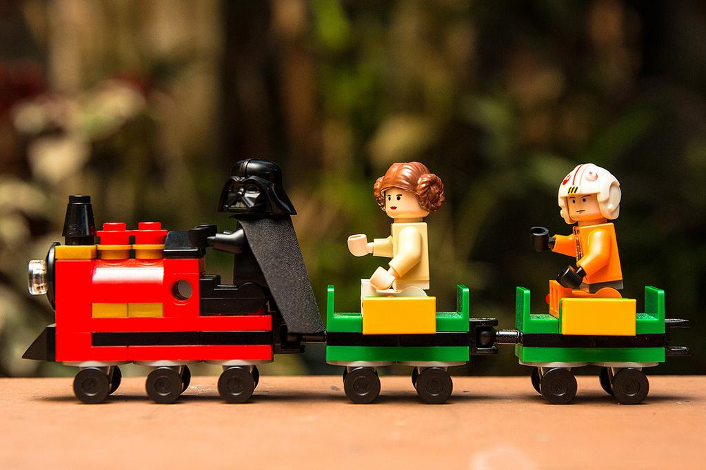 Brick Pic Vader Traain