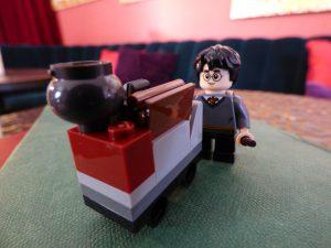LEGO 30407 Harrys Journey Hogwarts 20 300x225