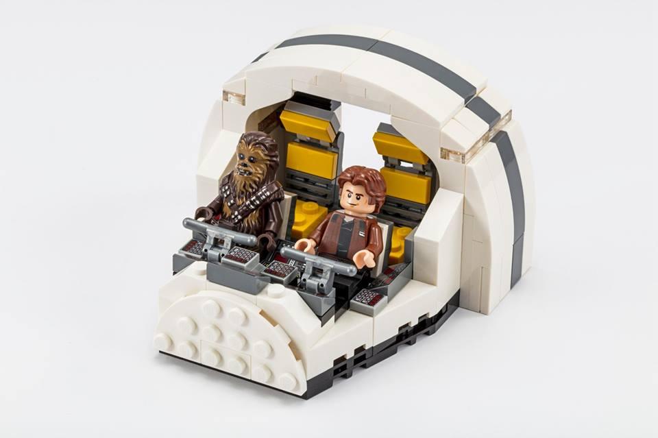 LEGO Star Wars 75512 Millennium Falcon Cockpit 2