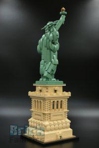 LEGO 21042 Statue of Liberty 4