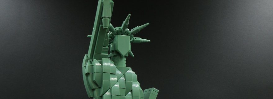 LEGO 21042 Statue Of Liberty Featured 880x320