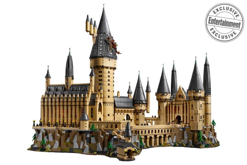 LEGO Harry Potter 71043 Hogwarts Castle 1
