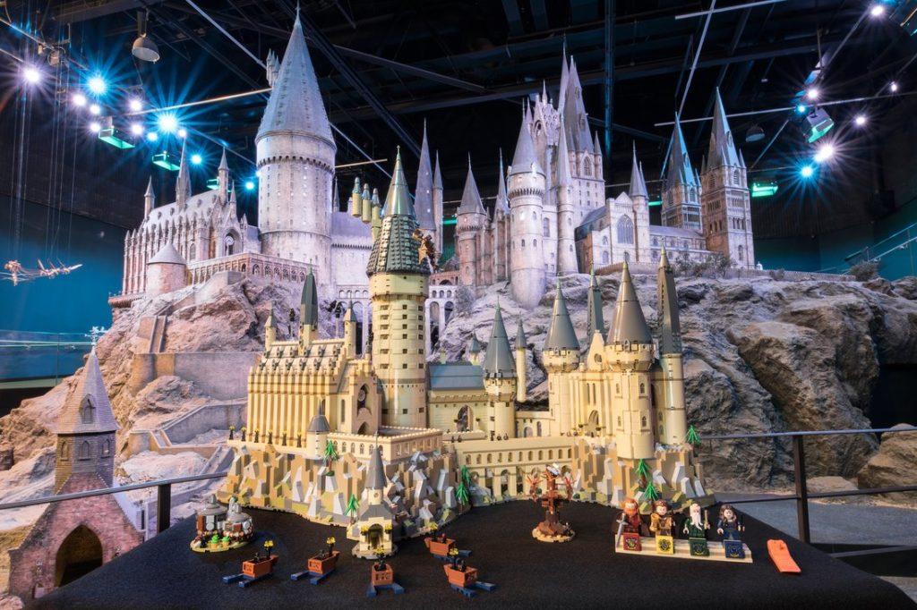 Lego Harry Potter 71043 Hogwarts Castle Officially Revealed