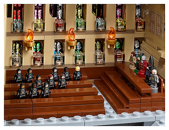 LEGO Harry Potter 71043 Hogwarts Castle A 10