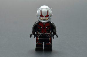 LEGO Marvel Super Heroes 76109 Quantum Realm Explorers 1