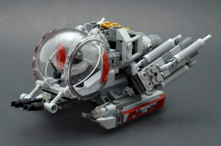 LEGO Marvel Super Heroes 76109 Quantum Realm Explorers 4 768x509