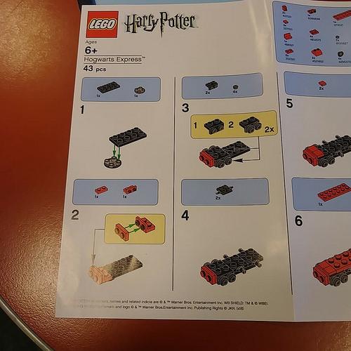 LEGO Hogwarts Express 1