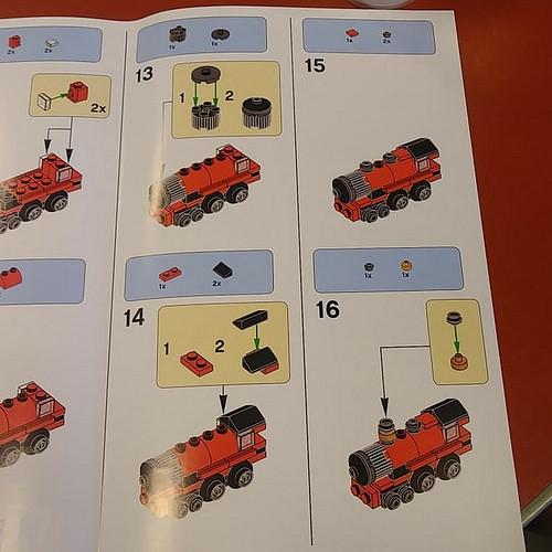 LEGO Hogwarts Express 4