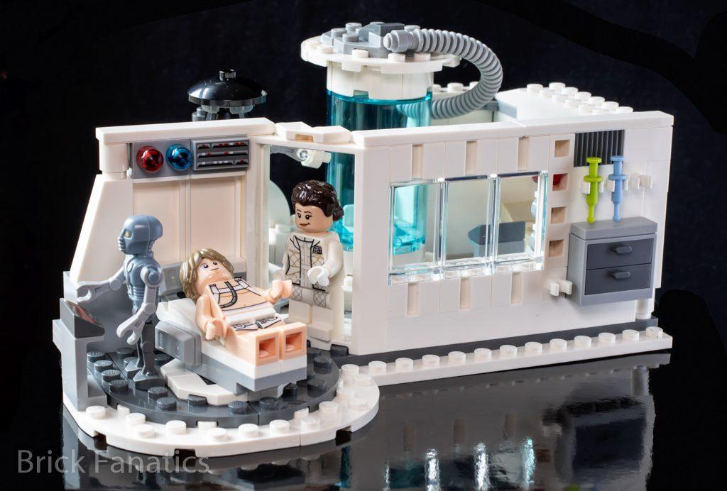 LEGO Star Wars 75203 Hoth Medical Chamber 1 1024x692