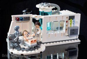 LEGO Star Wars 75203 Hoth Medical Chamber 1 300x203