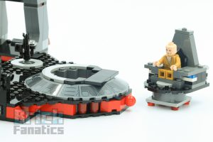 LEGO Star Wars 75216 Snokes Throne Room 11 300x200