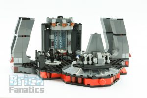 LEGO Star Wars 75216 Snokes Throne Room 2 300x200