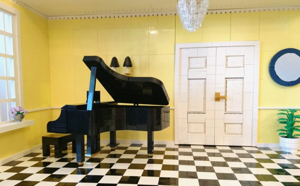 Brick Pic Grand Piano