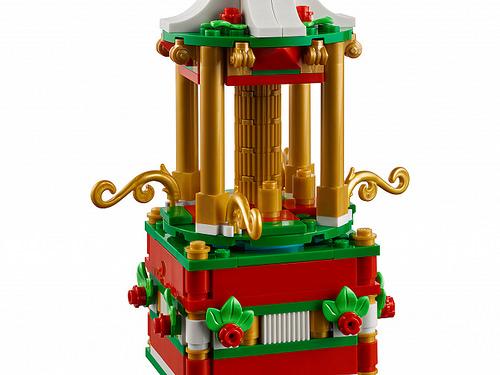 LEGO 40293 Christmas Carousel 5