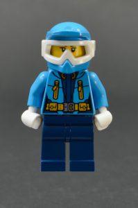 LEGO City 60195 Arctic Mobile Base 13 199x300