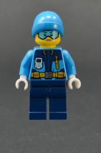 LEGO City 60195 Arctic Mobile Base 21 199x300
