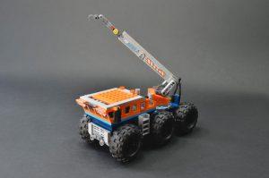 LEGO City 60195 Arctic Mobile Base 3 300x199
