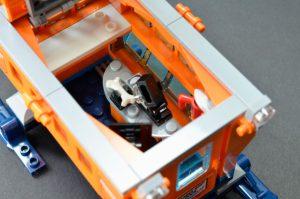 LEGO City 60195 Arctic Mobile Base 7 300x199