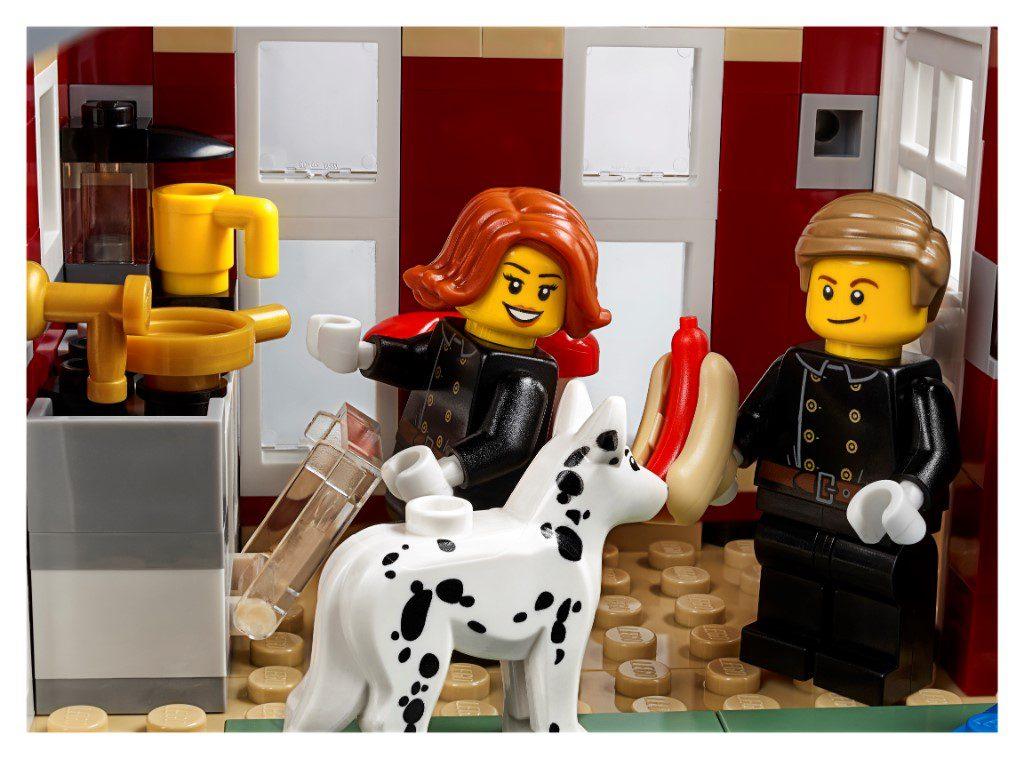 LEGO Creator Expert 10263 WInter Village Fire Station 2 1024x759