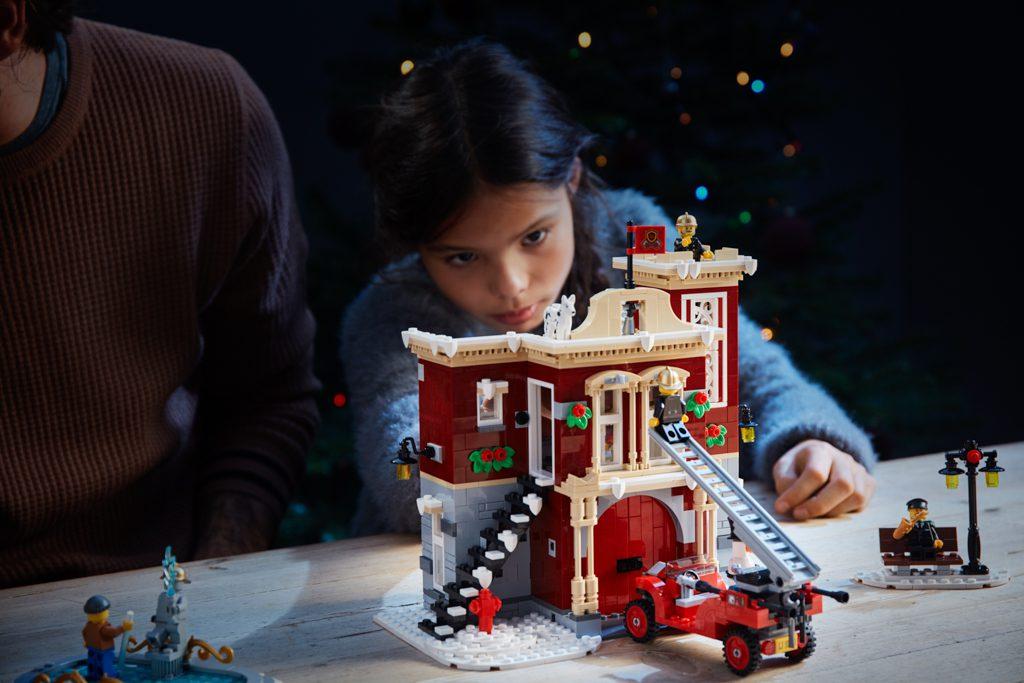 LEGO Creator Expert 10263 Winter Village Fire Station ls 6