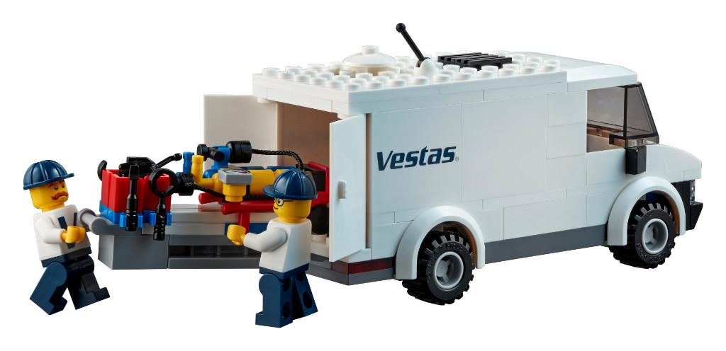 LEGO Creator Expert 10268 VESPA Wind Turbine 11
