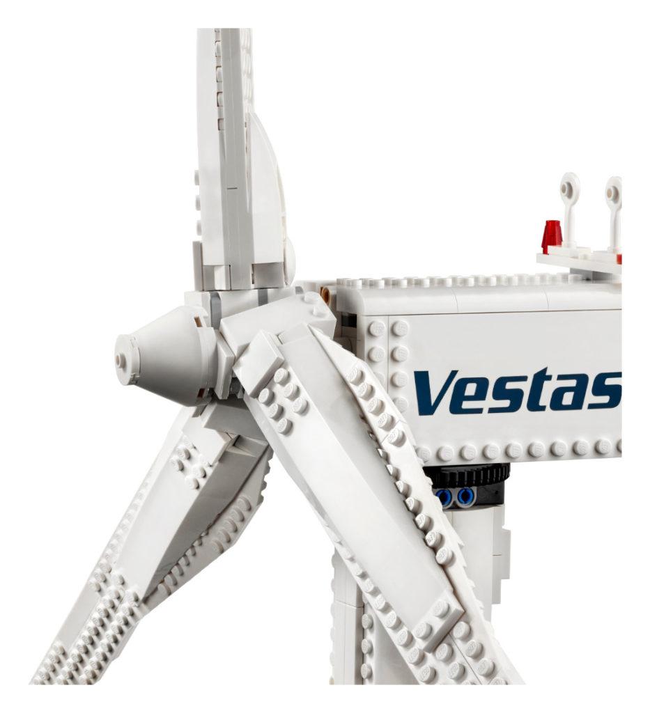 LEGO Creator Expert 10268 VESPA Wind Turbine 5
