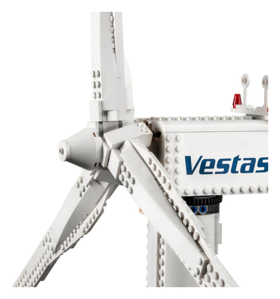 LEGO Creator Expert 10268 VESPA Wind Turbine 6