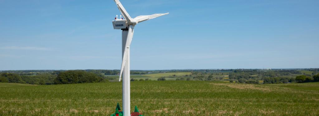 LEGO Creator Expert 10268 VESPA Wind Turbine Featured 2