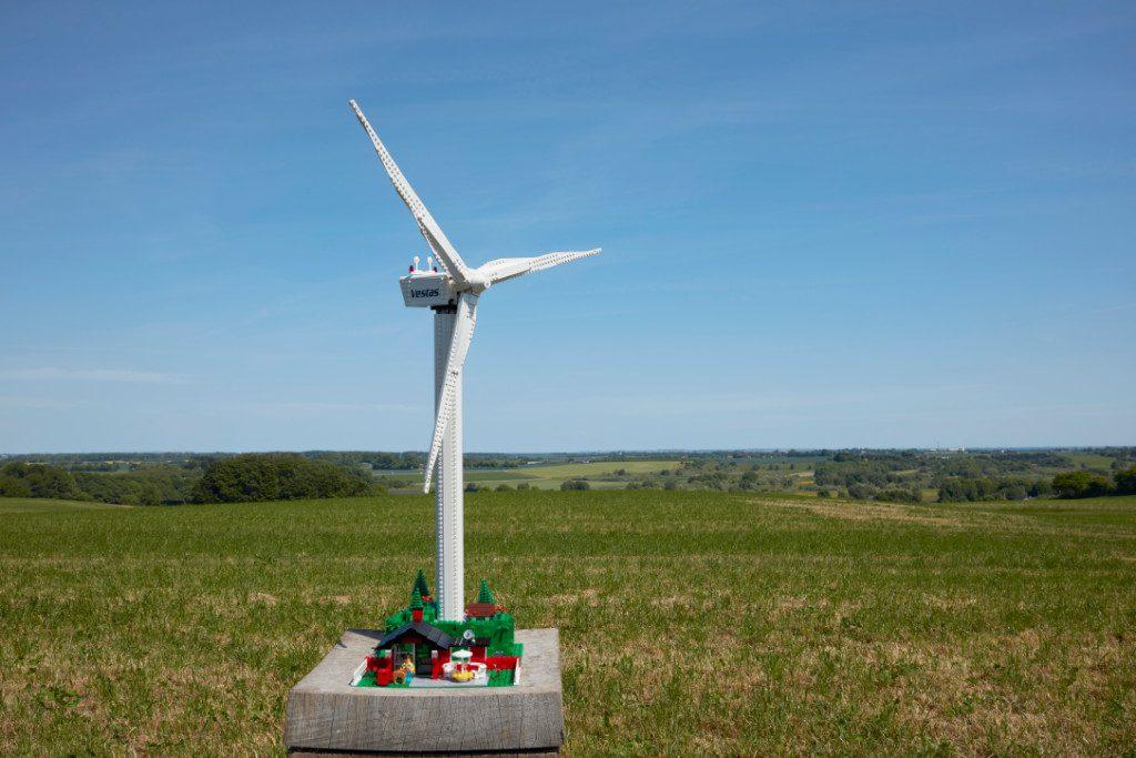 LEGO Creator Expert 10268 VESPA Wind Turbine lf 2
