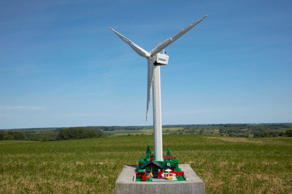 LEGO Creator Expert 10268 VESPA Wind Turbine Lf 3 1024x683
