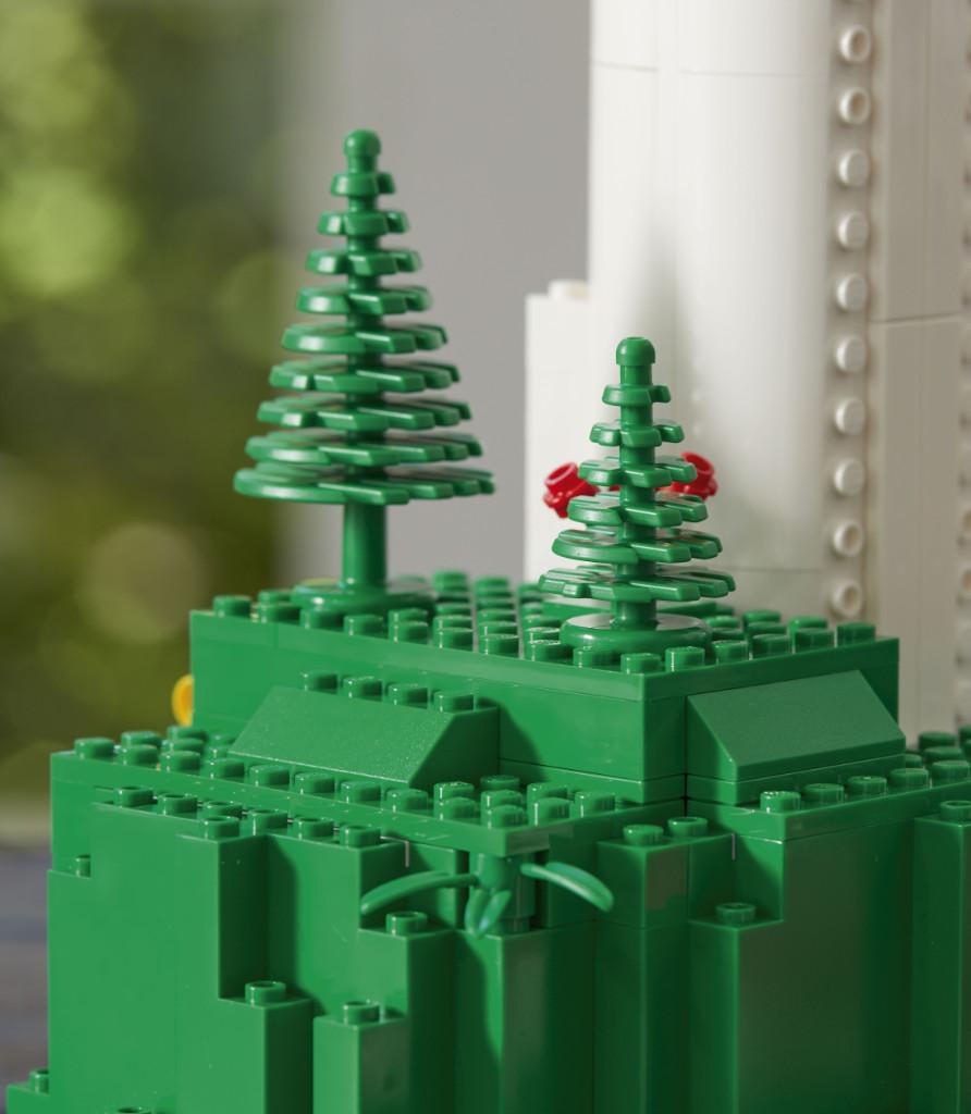 LEGO Creator Expert 10268 VESPA Wind Turbine Lf 4
