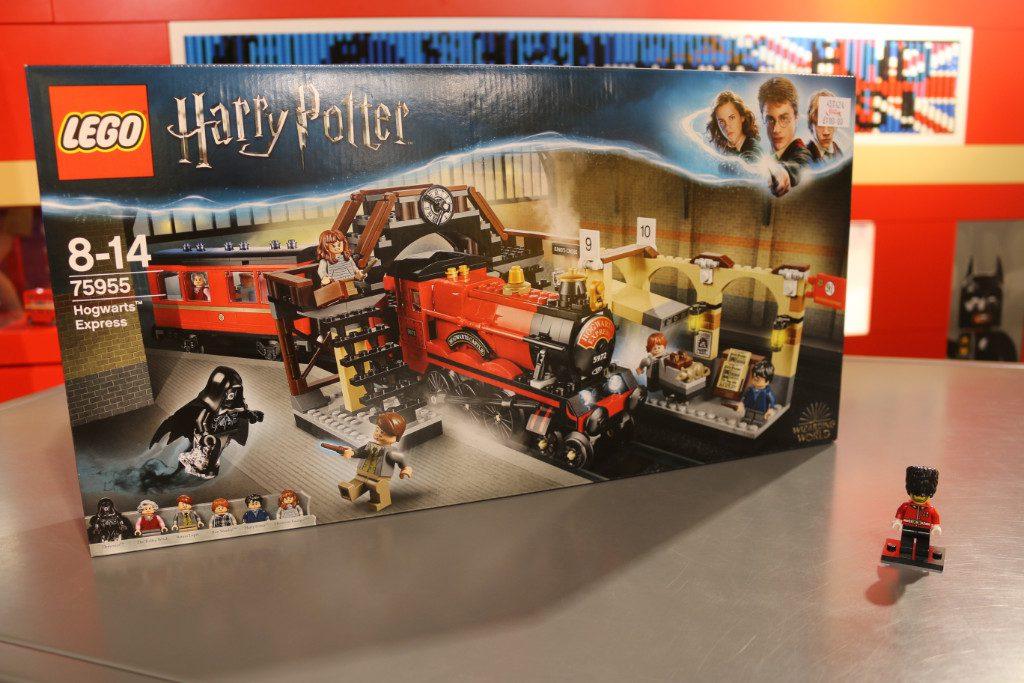LEGO Harry Potter 75955 Hogwarts Express video 1