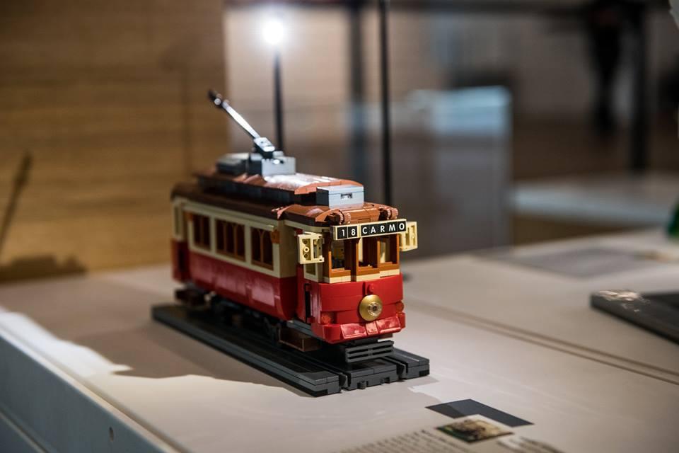 LEGO Ideas Display 4