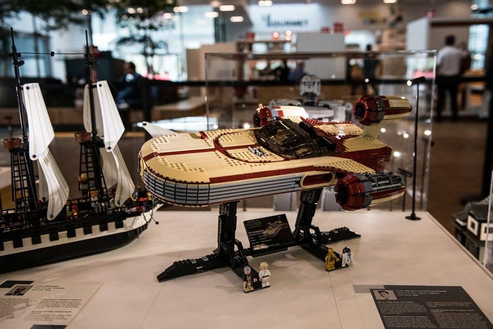 LEGO Ideas Display 5