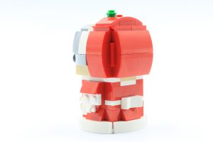 LEGO BrickHeadz 40274 Mr Mrs Claus 3 300x200