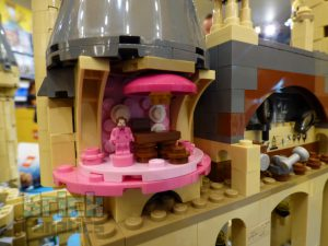 LEGO Harry Potter 71043 Hogwarts Castle Preview 15 300x225