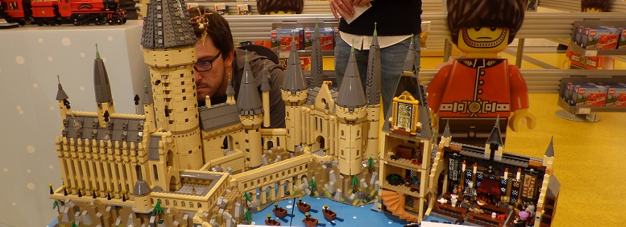 LEGO Harry Potter 71043 Hogwarts Castle Preview Featured