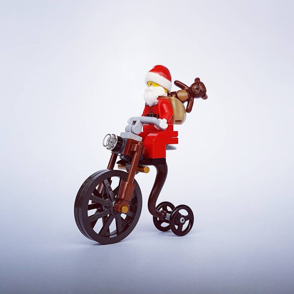 Brick Pic Santa Cycle 1024x1024