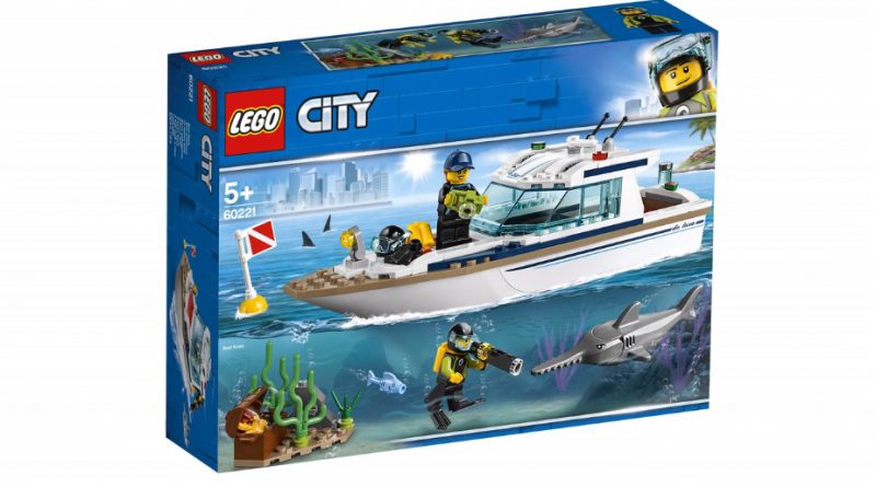 LEGO City 60221 Diving Yacht 1 1 800x445