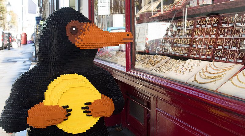 LEGO Fantastic Beasts Niffler featured 800 445