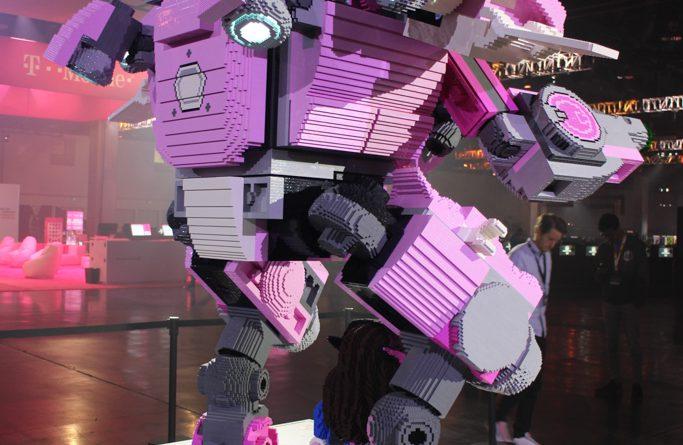 LEGO Overwatch BlizzCon Model 5 2 683x445