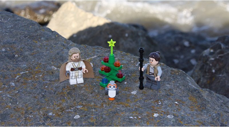 Brick Pic Christmas Ahch To Featured 800 445 800x444