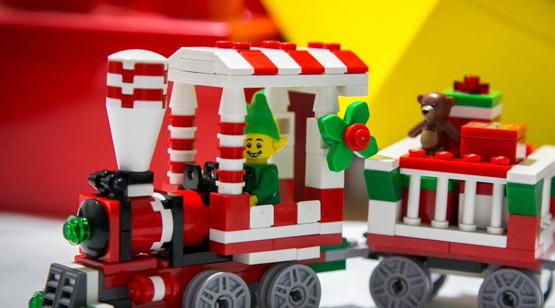 Brick Pic Elf Express Featured 800 445