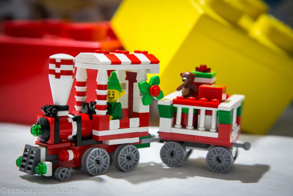 Brick Pic Elf Express