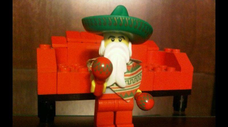 Brick Pic Santa Mexico Featured 800 445 800x445