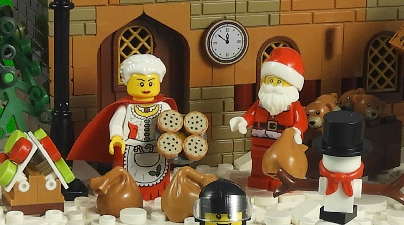 LEGO Christmas Build 2018 Featured 800 445