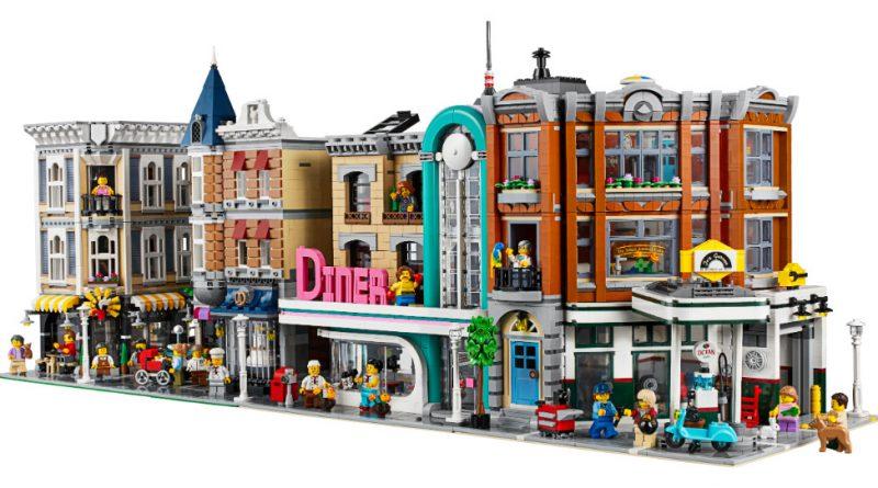 LEGO Creator Expert 10264 Corner Garage 11 800x445